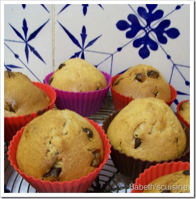 muffins marrons pépites chocolat