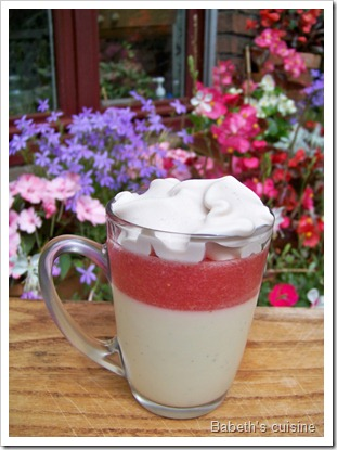 pana cotta gelée de fraises