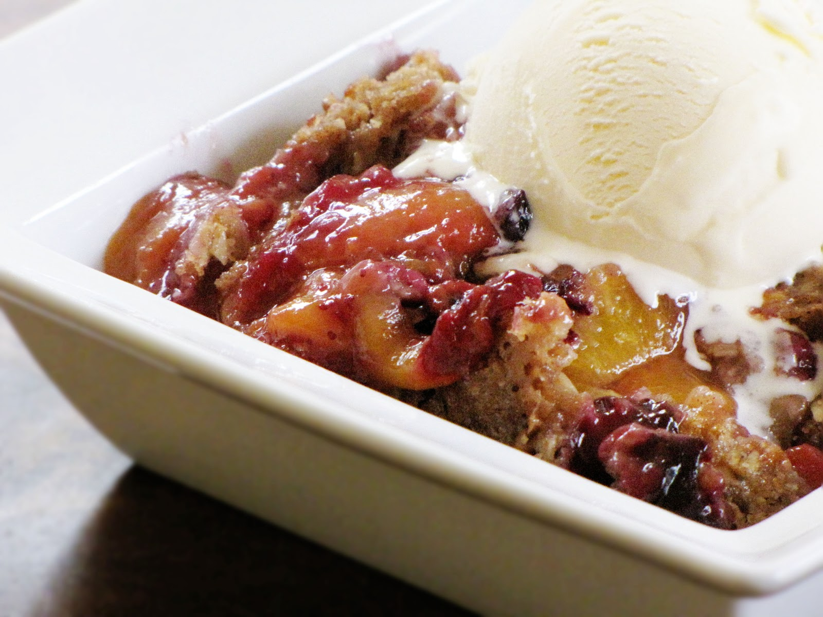 peach blueberry crumble | Sweet Anna's