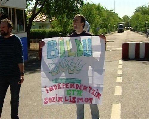 Foto etarra pidiendo voto bildu