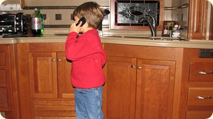 Eatin & Phone Talkin 006