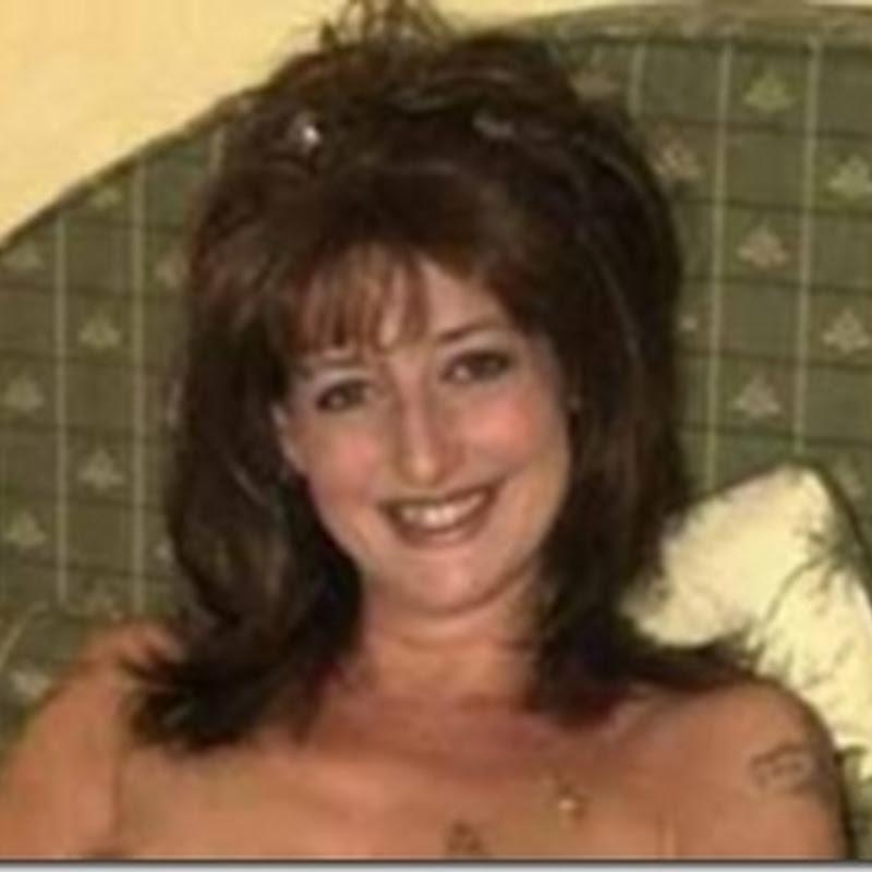 Sex Yıldızı Anne Çocuğunun Bekaretini Pornocuya Sattı