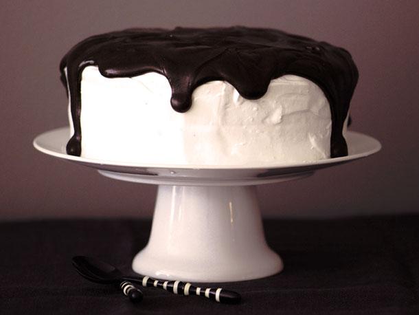 Howl at the MoonPie Cake Recept | Yummly