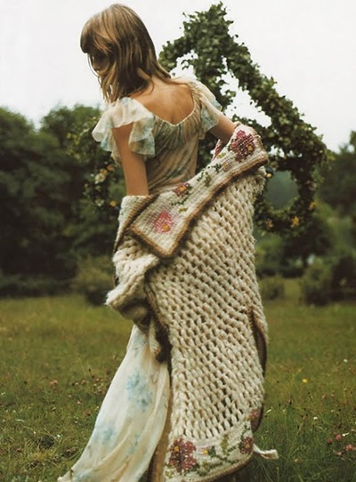 Angela_Lindvall_in_a_fairy-tale_mood_photographed_by_Mikael_Jansson_heycrazy.wordpress4.jpg.scaled1000