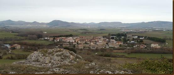 Vista de Ibero y la cuenca de Pamplona desde Leguín