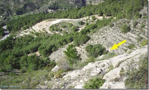 Localización de Cova Pinta desde la parte alta del barranco