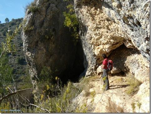 Entrada a la Cova Fosca - Vall d´Ebo