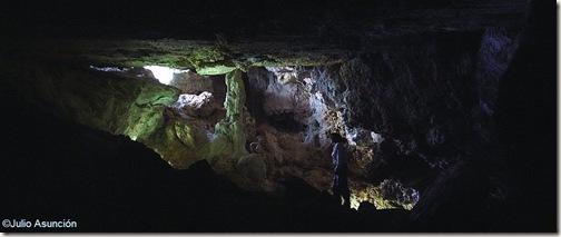 Interior de la Cueva de los Pilares - Agres