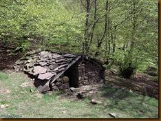 Refugio  vivac - ruta megalítica de Velate
