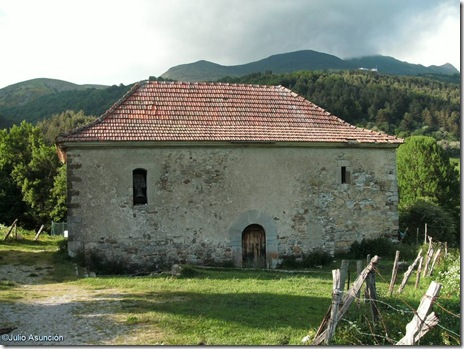 ERMITA DE ARRAKO - Valle de Bealagua