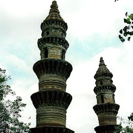 Minarets by Siân Oldfield - Buildings & Architecture Places of Worship