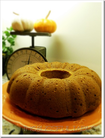 pumpkin spice cake with fondant 009a