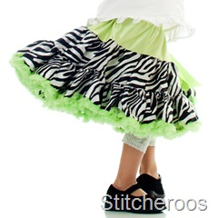 JGublersPhotography-20100805-Stitcheroos-019-Square-Skirt