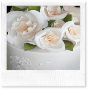 fondant_wedding_cake_flowers-239x320 (1)