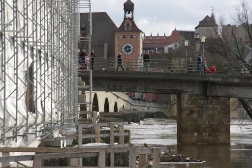 http://lh3.ggpht.com/_uzLsIJX7LLU/TTH8qLXRiII/AAAAAAAACys/C8wUKUWchtc/s512/regensburg-hochwasser-15012011IMG_1800.JPG