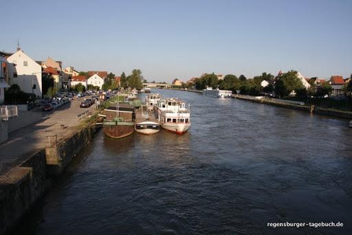 http://lh3.ggpht.com/_uzLsIJX7LLU/TUW_JdgI4fI/AAAAAAAAGt8/SFNYOmZwoso/Regensburg-Spaziergang-Vorabend-Ironman-IMG_6107.JPG