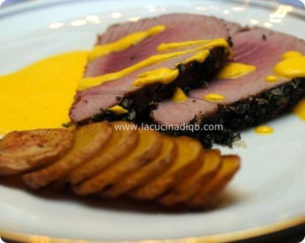 tonno marinato e salsa allo zafferano
