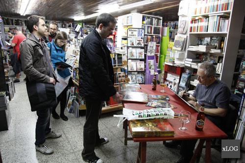 Das Pastoras firmando na Libreria Paz