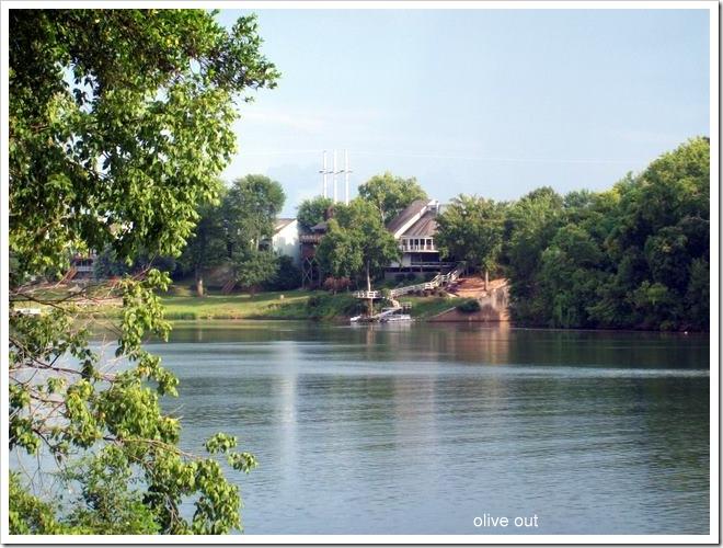 river barn 019