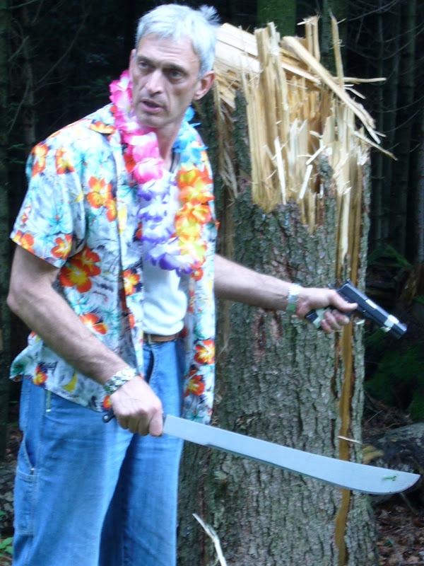Rambo3 avis sur le couteau officiel du film - Page 2 2561328289_91b3886403_o