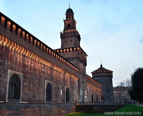 Castello Sforzesco Night