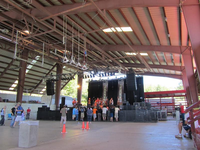 sim redmond band at catskill chill music festival