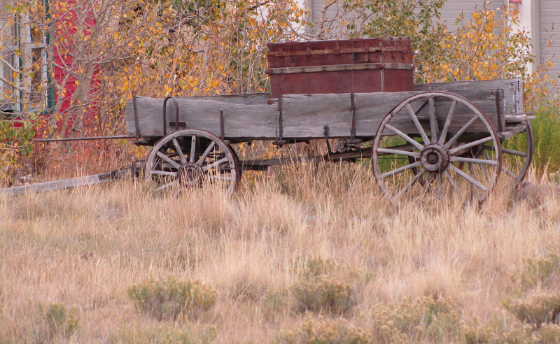 old wooden wagon in como colorado