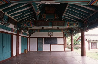 Cheongdo Hyanggyo central hall myeongryundang