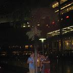 Petronas tornien takapihalla. Chris, mä, Mat, Josh.
