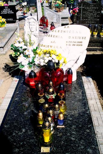 Pomnik Darka na cmentarzu Obłuże