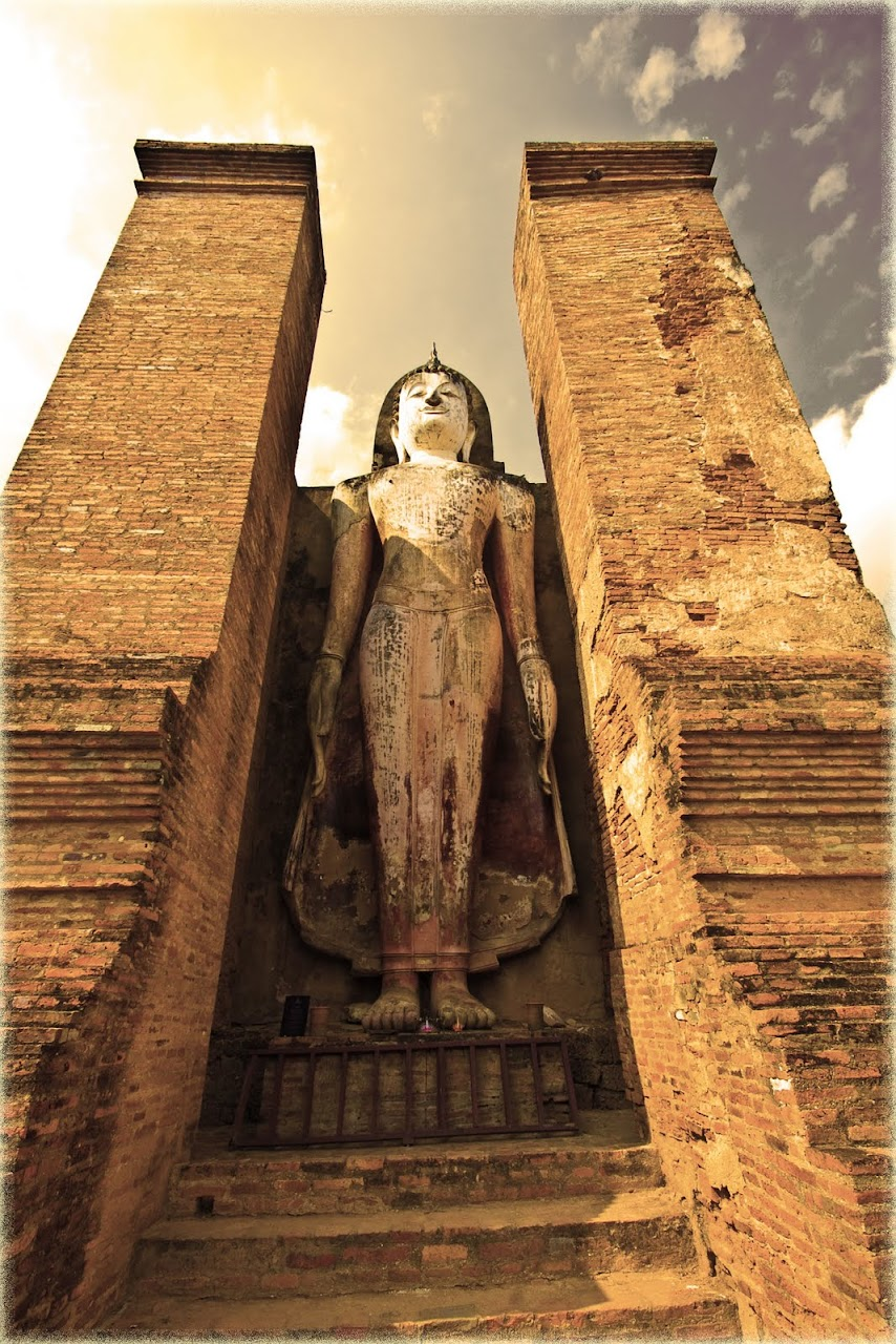 Buddha at Wat Mathatat