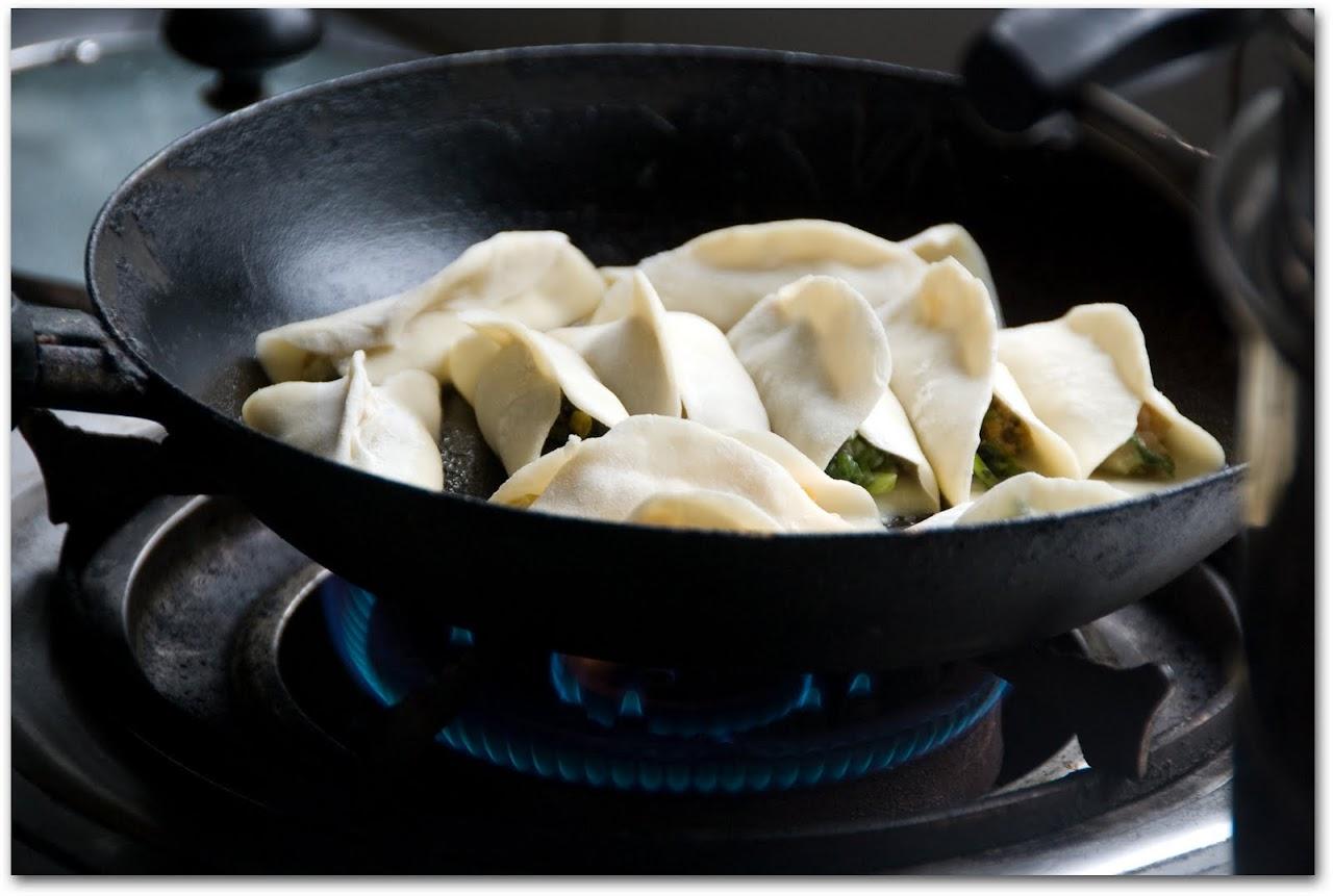 Fried jiaozi