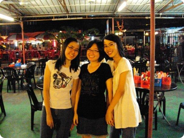 6M class gathering 2009-Ye Yan, Ke Lin and Kim