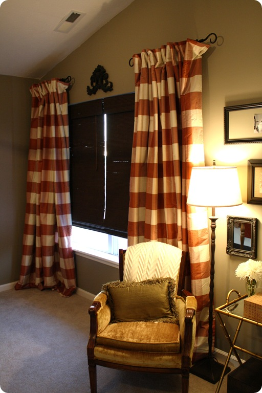 Curtains Ideas curtain rod close to wall : Tricky Tricky! (Window treatments) from Thrifty Decor Chick