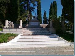 03102010075 Μεσολόγγι κήπος Ηρώων, τάφος Μάρκου Μπότσαρη