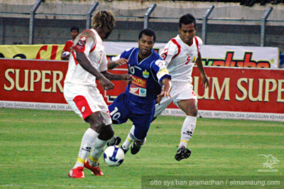 Hilton Moreira Persib vs Persema 2009/2010