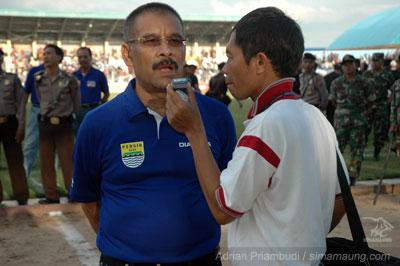 Umuh Muhtar PSPS vs Persib 2009/2010