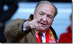 Tom Hicks has pointed the fingers at Benitez