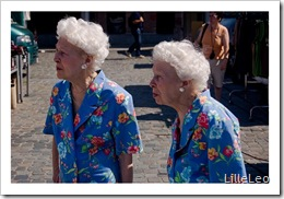 Old-Twins-Sisters-Louvain
