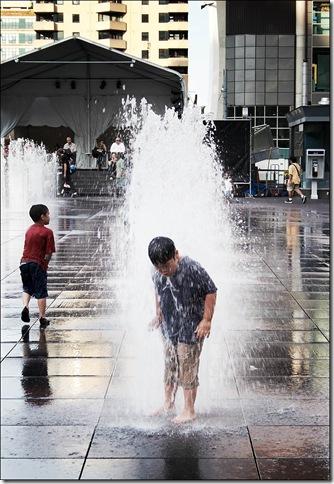dundas_square_boy_fountain_tall