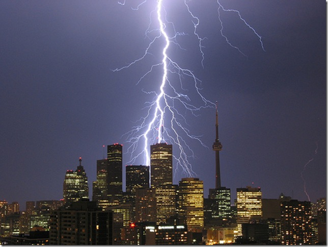toronto_thunder-storm_001