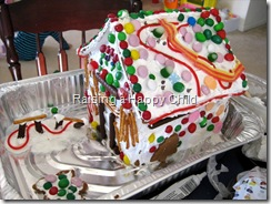 Dec23_GingerbreadHouse_2_SM