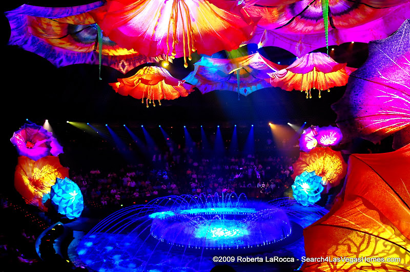 Le Reve Fountains Wynn Theater Wynn Encore Las Vegas