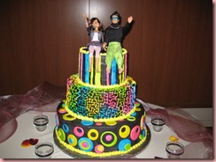 80__s_Themed_Wedding_Cake_by_DontDeconstruct
