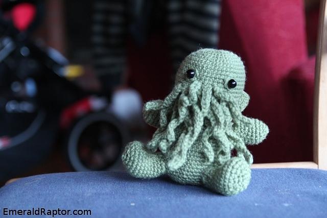 Heklet Cthulhu Hører til bloggpost http://emeraldraptor.com/2011/04/dagens-monster-kose-cthulhu/