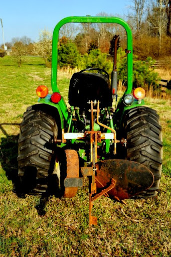 Jd 650 roll bar you have some pictures mytractorforum the here are a couple of snapshots of the tractor with the roll bar showing if you need additional images from some specific angle or if you want measurements fandeluxe Image collections
