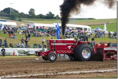 tractor pulling (2)