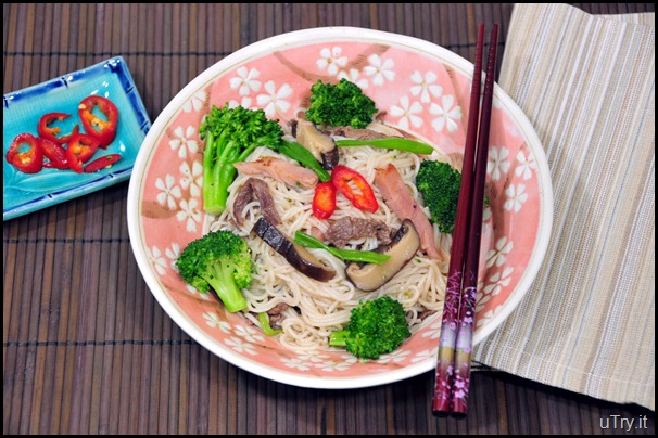 Broccoli-Beef and Shiitake Mushroom Rice Noodle