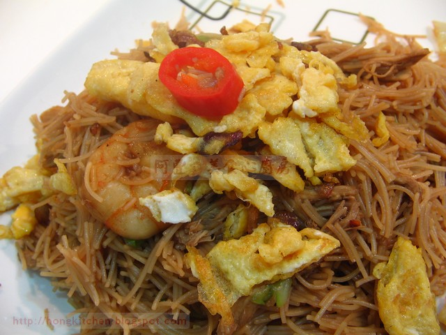 Shredded Chicken Fried Rice Noodle