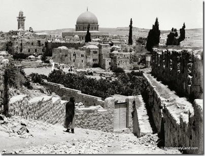 Temple Mount and Western Wall area from southwest, mat00886